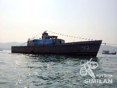 全長100mの大型船(沈める前の写真)