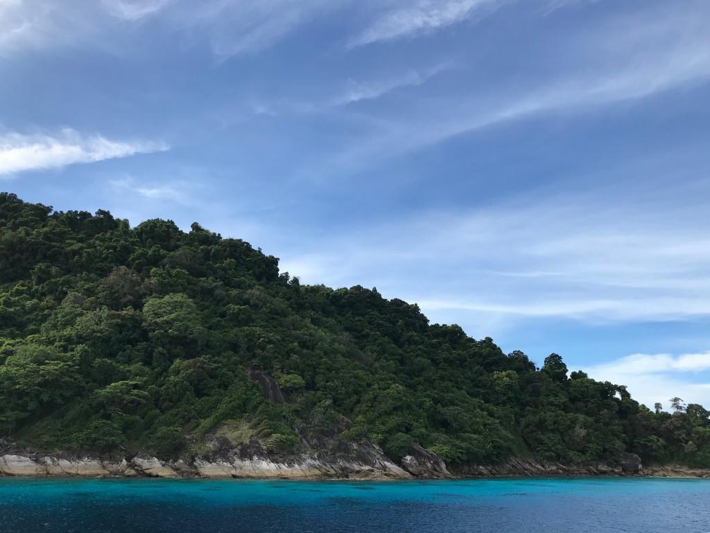 波一つない穏やかなタチャイ島!