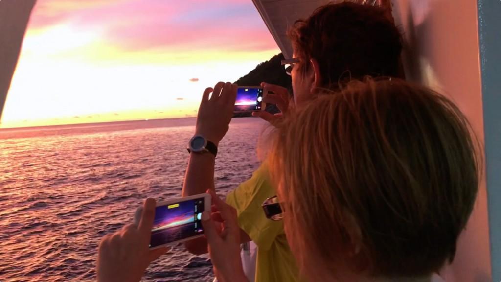息を呑む様な夕焼け@タチャイ島